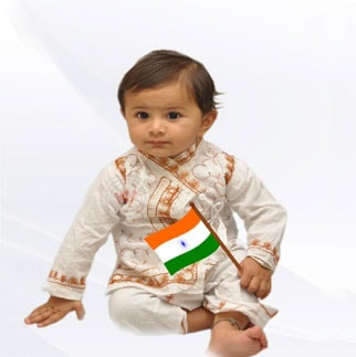 1731-Independence-Day-Kids-Holding-Flag-Whatsapp-Dp-Facebook